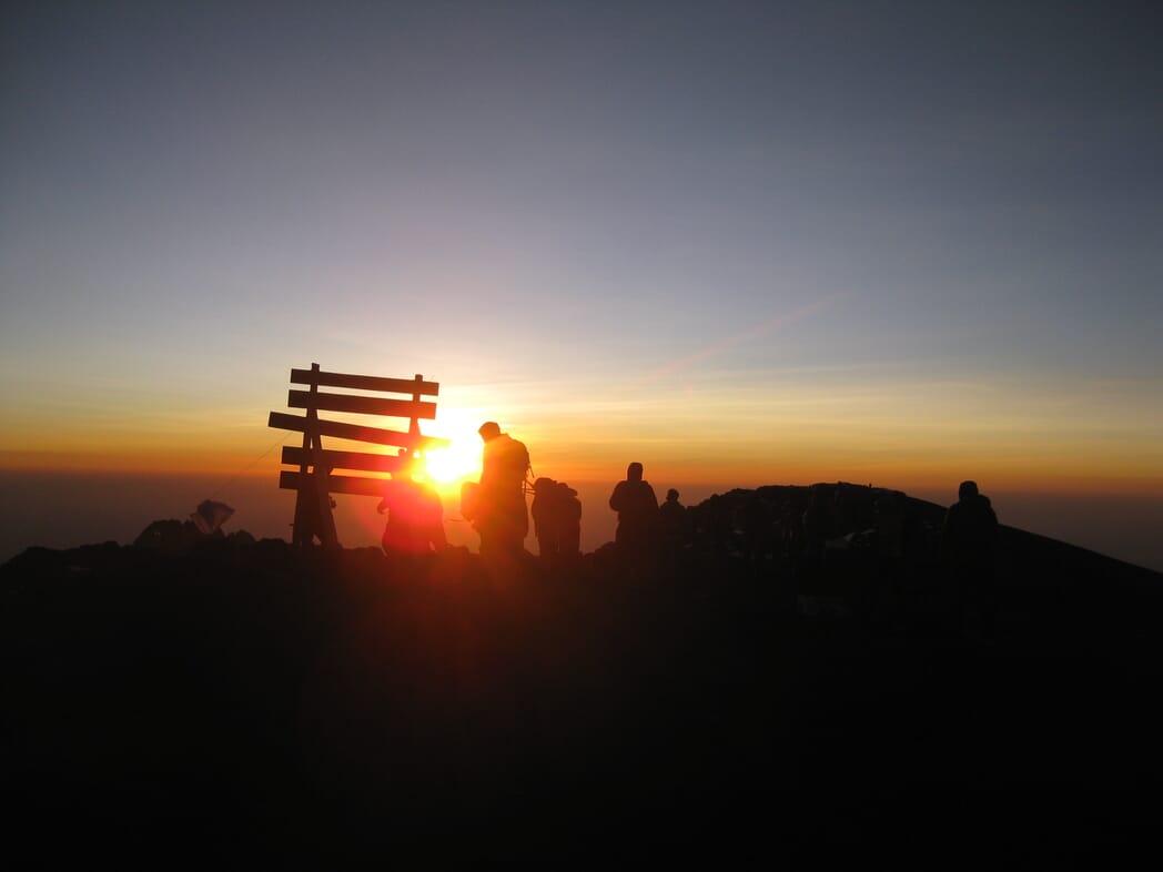 Schaffe ich die Besteigung des Kilimanjaro 5895m?