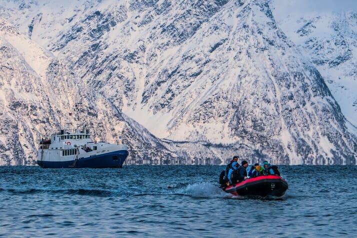 Skitourenparadies mit Schiff entdecken Highlights
