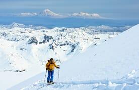 Skitourenreise Russland: Mit den Skiern an vier Vulkanen auf Kamtschatka